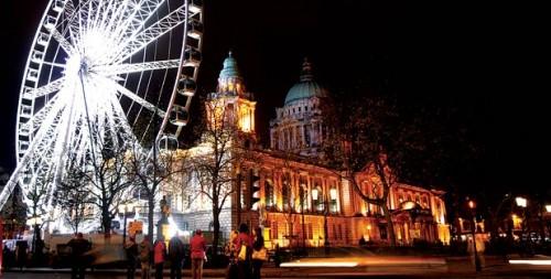 221537709vueloslowcostreinounido 500x253 Viajes baratos a Belfast e Irlanda del Norte | Vuelos low cost y billetes última hora