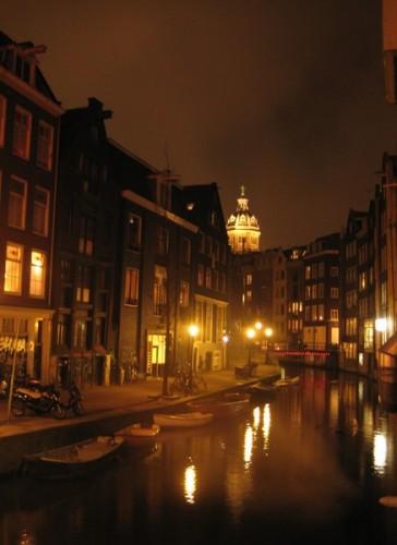 bar247 364x500 Barrio Rojo de Ámsterdam: cultura y diversión