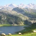 Picos de Europa: Escapadas baratas en Castilla y León, Asturias y Cantabria | Rutas y alojamientos económicos